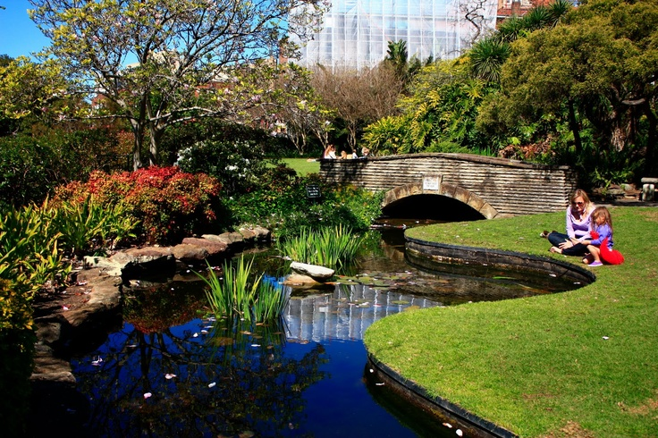 Arthur McElhone Reserve, Elizabeth Bay, Sydney.