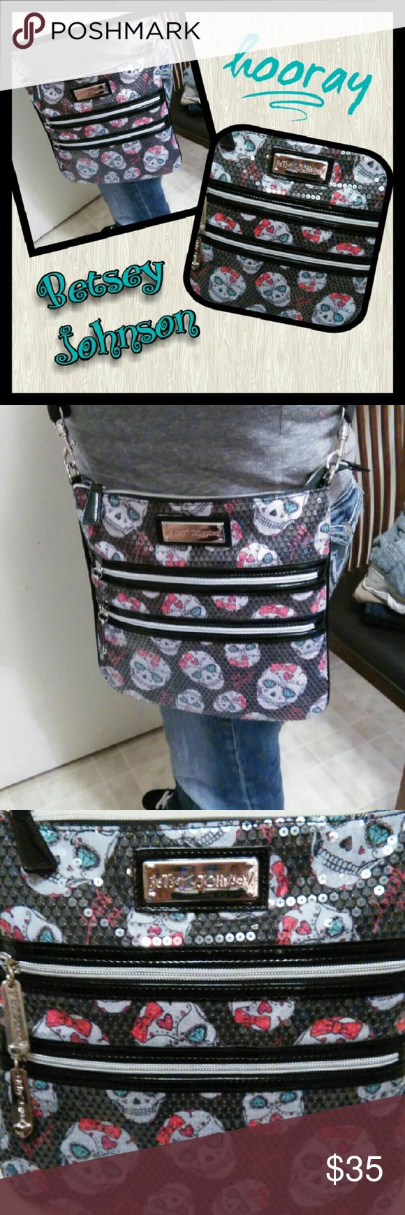 👜THURSDAY SPECIAL👛 Beautiful Betsey Johnson If your a skull lover this is a must have!  Sequins is a special look that makes the bag pop! Adjustable strap as we'll.... Like new... Smoke free home.... Betsey Johnson Bags Crossbody Bags