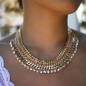 Ожерелье из цепочек и му…