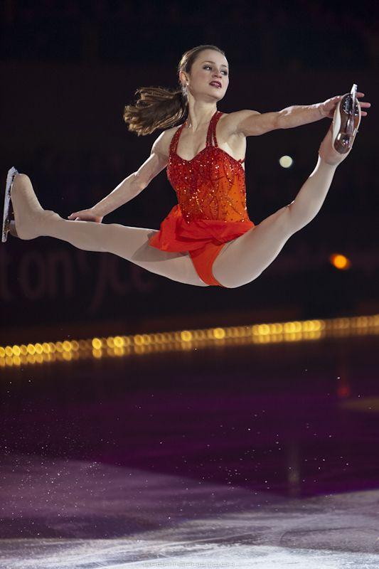 Sasha Cohen - US Figure Skater, during the Art on Ice show 2011 in Lausanne, Switzerland - Ballerina / Bailarina / Балерина / Dancer / Dance / Ballet