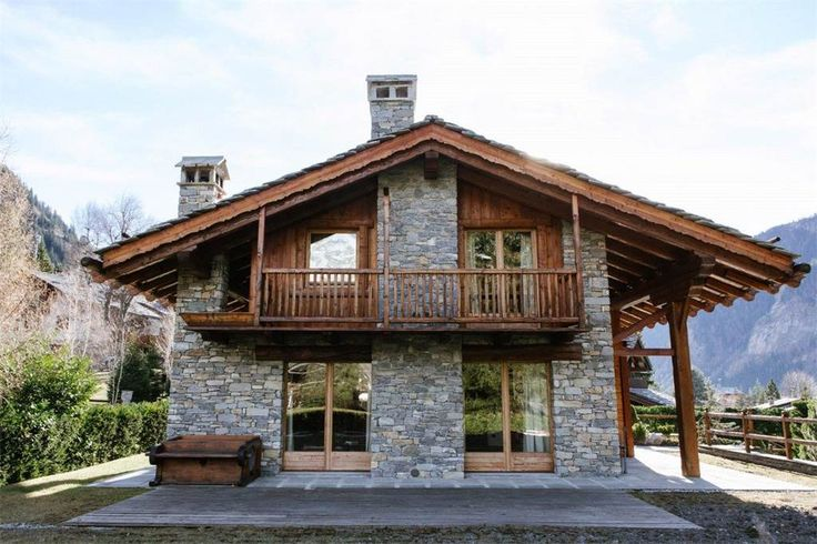 Luxury Chalet on three levels surrounded by the mountains Route Panoramique Aosta, Italy – Luxury Home For Sale