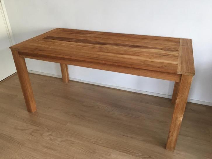 17 beste idee n over houten eettafels op pinterest eames stoelen eames en eetkeuken - Eettafel houten ontwerp ...