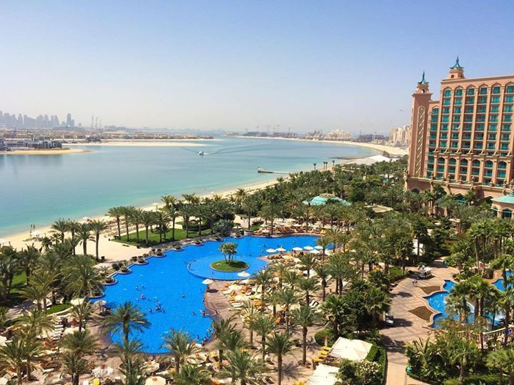 Hotels-live.com/pages/sejours-pas-chers - What a view from our room @atlantisthepalm  now off to Burj Khalifa the highest building in the world. See more on snapchat: missseverywhere  #atlantisthepalm #dubai #uae #roomview #traveling #reisen #reiseblogger #travelinspo #aroundtheworld #misseverywhere #jttouristik #jasmintaylor #mydubai #visitdubai #mydubai Hotels-live.com via https://www.instagram.com/p/BE0jGnjHemY/