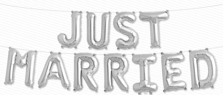 Balloon Kit silver JUST MARRIED Air filled Folienballon Schriftzug perfekt zur Hochzeit. Größe der einzelnen Buchstaben im aufgeblasenen Zustand: ca. 41cm/ 16'', enthalten sind elf Folienballons ohne Schnur. Die Ballons können...