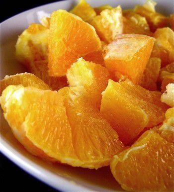 Découvrez la recette Salade d'oranges aux épices sur cuisineactuelle.fr.