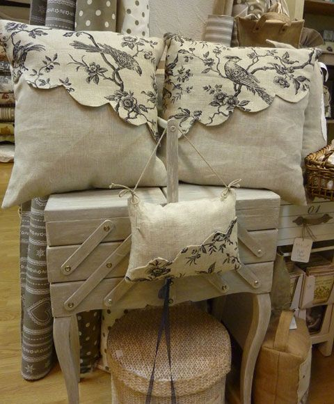 286 best travailleuses images on pinterest bricolage for Cantonniere shabby chic