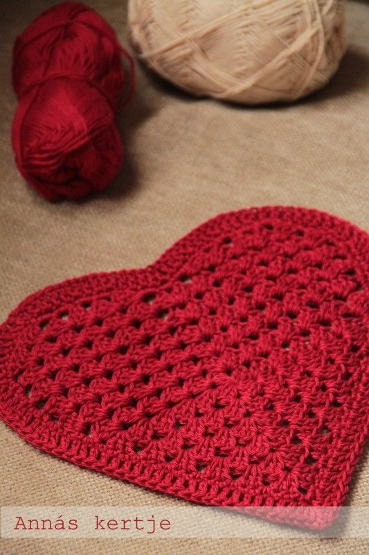 Granny Heart Pattern - with diagram! finally a nice looking granny heart...
