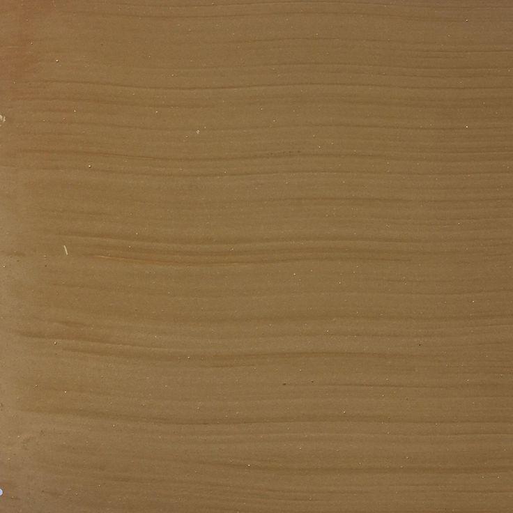 Golden Mustard 79 Kalkfärg är en traditionell färg som låter väggen andas. Våran kalkfärg kan användas på många olika underlag- Puts - Gips ( här rollar vi oftast) - Trä men se den endast som vacker och sund för miljö och hälsa, den kan ej torkas eller slitas som en plast färg. Våra Kalkfärger fäller inte så mycket som traditionella Kalkfärger och ju mera pigment som finns i dom ju mindre fäller dom. Vi målar både inomhus och utomhus med kalkfärg.Våra kalkfärger är handblandade så kulören…