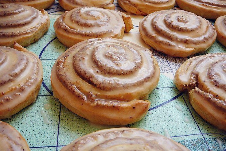 ヌスシュネッケン Nussschnecken  ドイツの菓子パン。