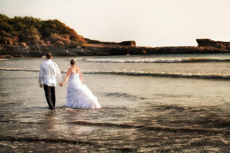 mariage à destination, Josée and Jean-François goergous sunset portrait for destination wedding at Barcelo Montelimar Nicaragua