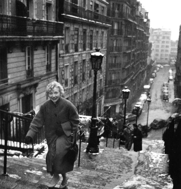 Fifties   Montmartre, Paris 1958, photographed by Robert Doisneau
