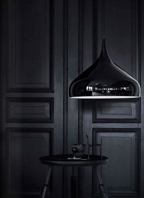 Black boiserie black chic pinterest panelling black for All blacks interiors
