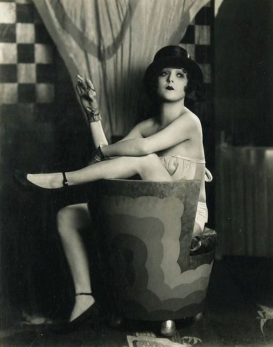 Madge Bellamy adopts a flapper pose sometime in the twenties...