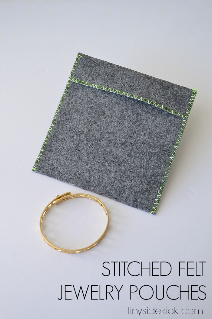 Love throwing these easy felt stitched jewelry pouches in my travel or gym bag or purse to keep my jewelry safe. This easy DIY takes only a few minutes!