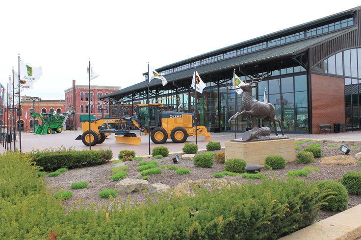 John Deere Pavilion // Moline, IL | Yellow Mondays