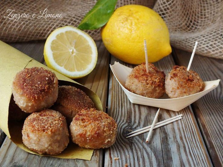 Le polpettine al profumo di limone sono assolutamente favolose. Perfette come secondo piatto anche semplicemente abbinate ad una insalata.