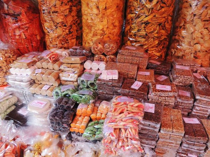 Snacks for gifts at Bukittinggi, Indonesia