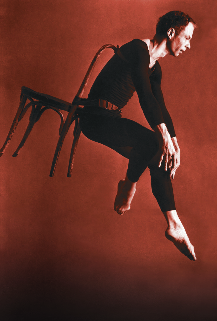 analysis of merce cunninghams choreography Visit biographycom and learn about avant-garde dancer and choreographer merce cunningham, who did groundbreaking work with composer john cage.
