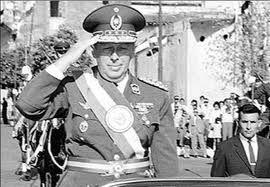 Descartan que restos del ex dictador Alfredo Stroeesner sean repatriados esta semana