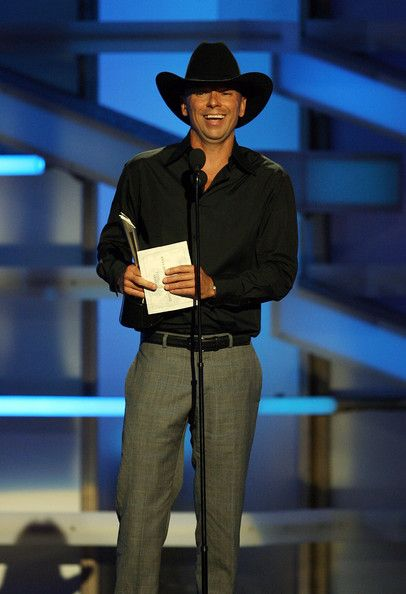 Kenny Chesney Photos Photos - Musician Kenny Chesney accepts the Entertainer of the Year onstage during the 43rd annual Academy Of Country Music Awards held at the MGM Grand Garden Arena on May 18, 2008 in Las Vegas, Nevada. - The 43rd Annual Academy Of Country Music Awards - Show