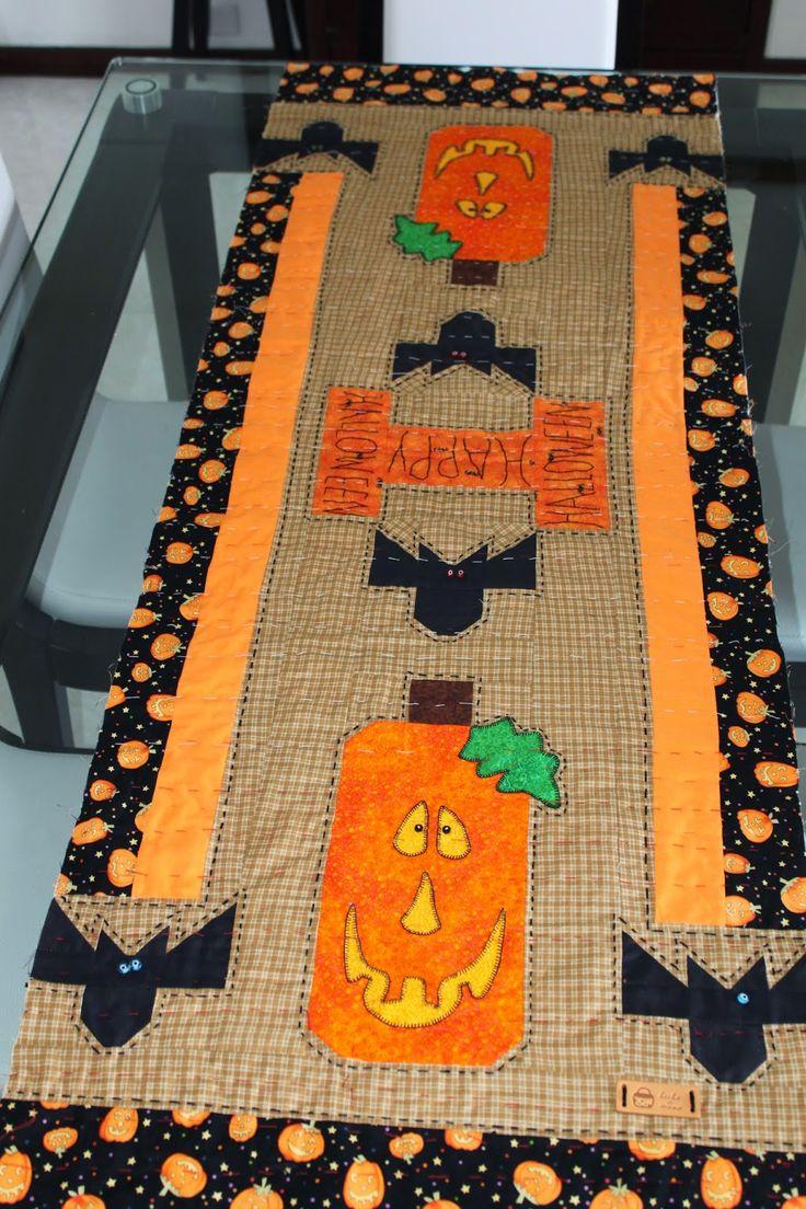 LABORES DE LILIANA: Camino de mesa  Halloween en patchwork
