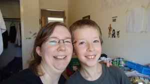 Autism and oils. I am a Lemon Dropper! - Contact Rachel DeLine - rdeline85@gmail.com