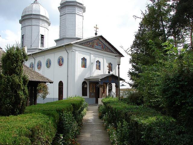 Romania Manastirea Tiganesti Ciolpani by florin592002, via Flickr