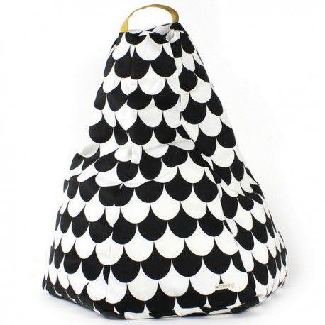 Craquez pour le pouf Nobodinoz à écailles noires en vente sur la boutique en ligne Pop-Line. Découvrez notre sélection de décorations design enfants