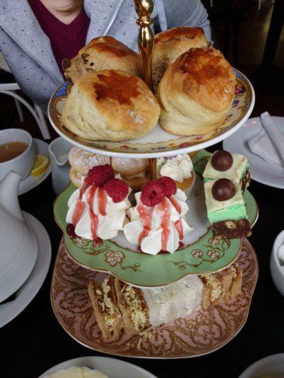 Afternoon Tea in Mimi's Bakehouse | Edinburgh, Schottland | Cooking Worldtour