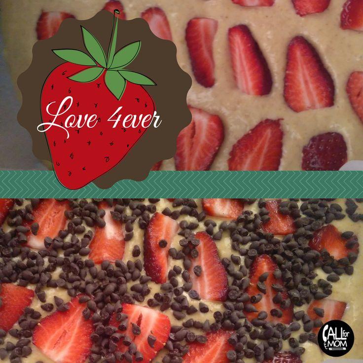 Από τους πιό αγαπημένους μου συνδιασμούς! Λίγο ξινή και ζουμερή η φράουλα με την γλύκα και την πικράδα της κουβερτούρας έρχονται και κάνουν τέλεια παρέα!!! Έτσι λοιπόν είπα δεν φτιάχνω ένα κέικ με …