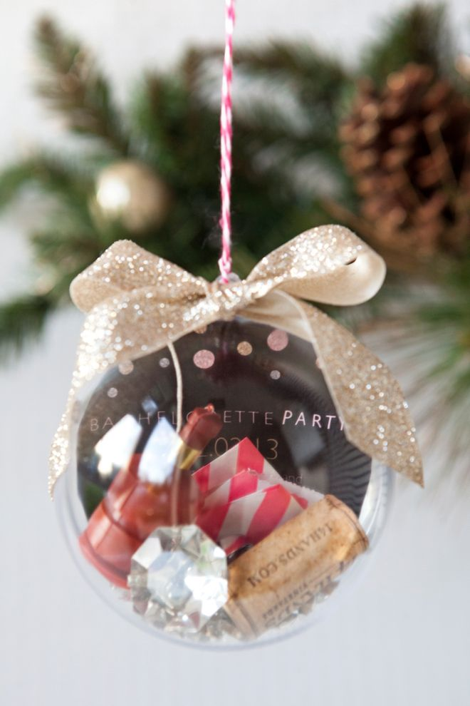 Make this sentimental DIY Keepsake Christmas Ornaments this year to commemorate all of your special memories from year to year.: