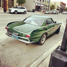 thatyellowvolvoguy: holy shit that's in great condition, looks cool in that green too :O