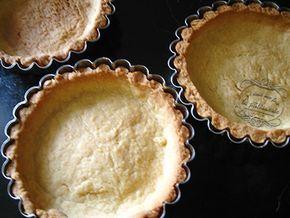recette pate sablee façon pierre Hermé - 140 g de beurre - 2 g de sel - 75 g de sucre glace - 25 g de poudre d'amande - 1 œuf - 250 g de farine