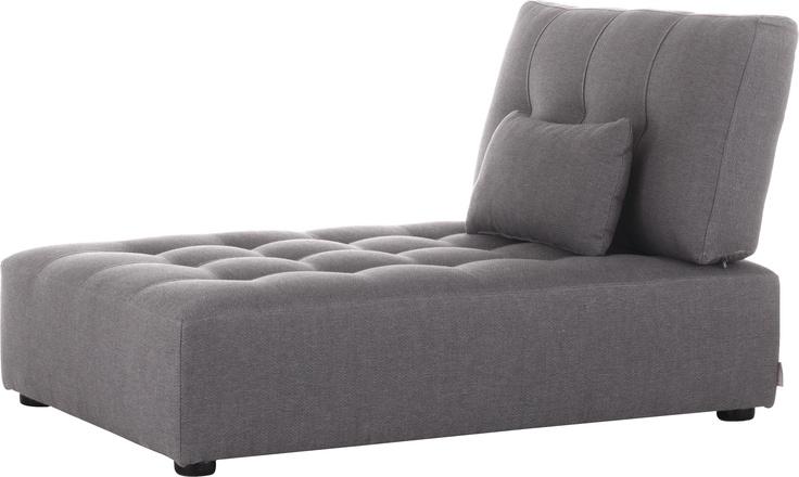 Reiko chaise seat. En del av Reiko modulserien. Fåes i flere gråtoner. Dimensjoner: L93 x H80 x D135 x setehøyde 34cm. Kr. 6075,-