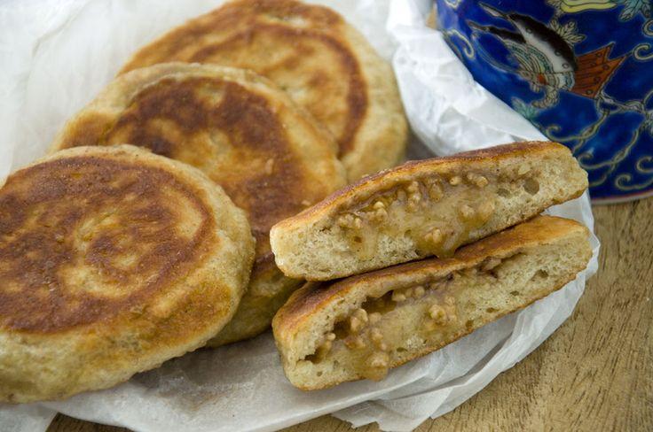 Hotteoks/Hoddeoks gefüllte koreanische Pfannkuchen mit Zimt und Karamell <3  Hotteoks/Hoddeoks filled korean pancakes with  caramel and cinnamon <3  https://www.vivalasvegans.de/rezepte/desserts/hotteoks/