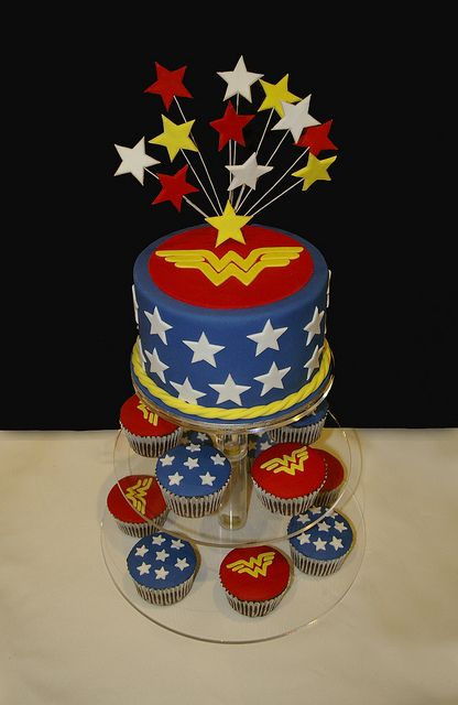 Wonder Woman Cake with cupcakes. Possible for my bday next month...@Lana Nguyen or maybe this one???