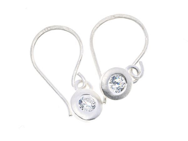 Crystal Pebble  Silver Earring - by Heidi Hoff HeidisHoff.no. Steerling silver with zirconia crystals.