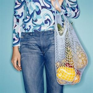 How to Knit With Plastic - reusable grocery bags