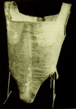 Corset, 1598. It was part of the burial clothes for Pfaltzgrafin Dorothea Sabine von Neuberg and is described by Janet Arnold in Patterns of Fashion 1560-1620