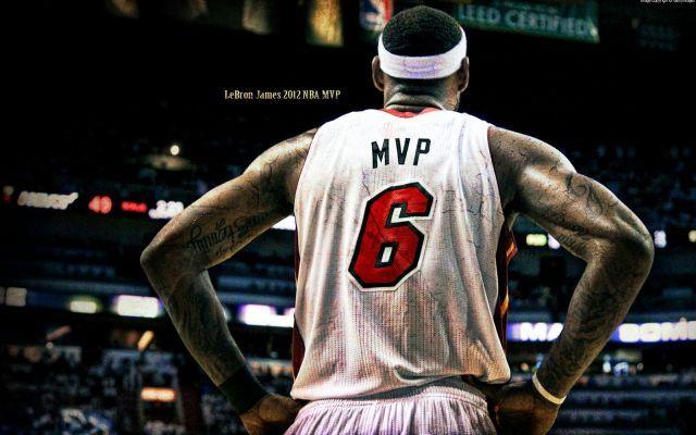 Il futuro di uno dei più grandi giocatori di basket di ogni epoca è quanto mai avvolto nel mistero, dove andrà LeBron? #nba #lebronjames #miami #basket #mvp