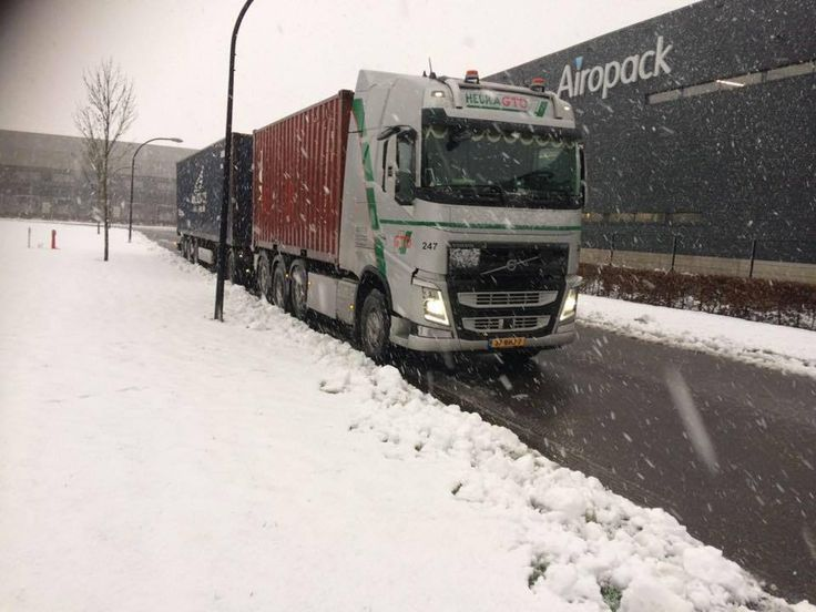 Beware of snow and ice roads drive safe #snow #iceroad #volvo #safe #container #transport Volvo Group Truck Center