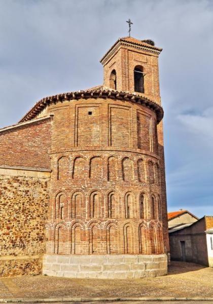 El Cubillo de Uceda, Campiña Alta del Henares - Ábside románico mudéjar de la iglesia de Nuestra Señora de la Asunción