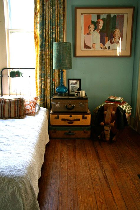 There's some beautiful interior decorating going on here. Such beautiful use of color and texture.: Wall Colors, Houses, Vintage Suitcases, Decor Ideas, Old Suitca, Guest Bedrooms, Bedside Tables, Suitcases Nightstand, Night Stands