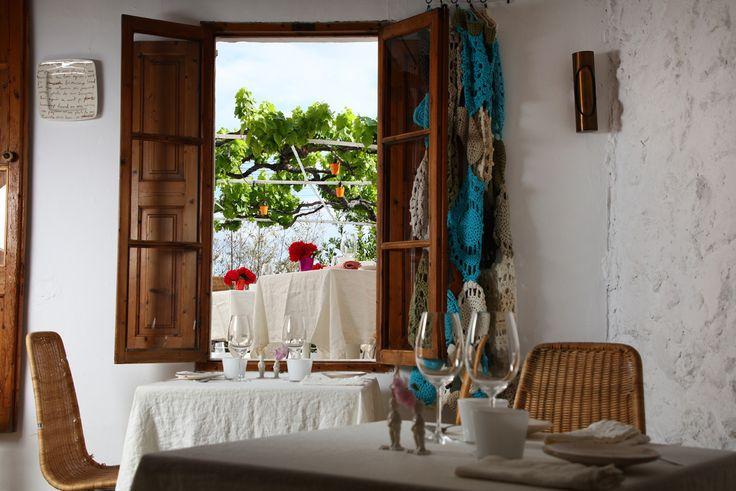 Geschmackvolle Einrichtung im Restaurant Ca Na Toneta in Caimari