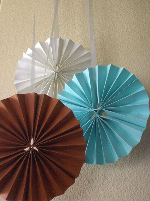 How to make a paper rosettes for your party / Cómo hacer rosettes de papel para tu fiesta