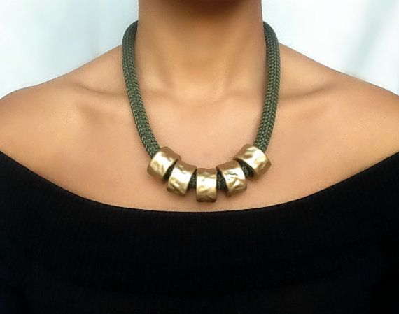 Collier kaki militaire - collier pour femme - collier ethnique - collier à corde - collier kaki - cadeau pour femme - cadeau de noël