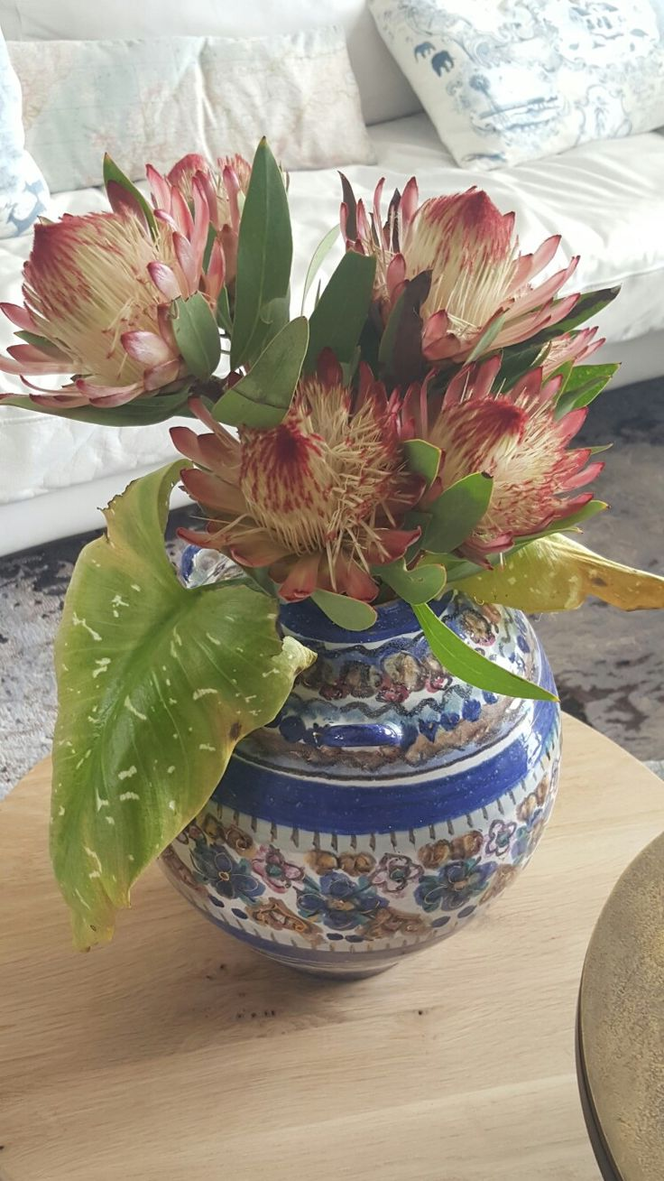 Pretty proteas!  Stying by met.passion design