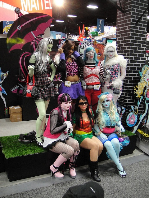 San Diego Comic-Con 2011 - Monster High girls (Mattel booth) by Pop Culture Geek, via Flickr