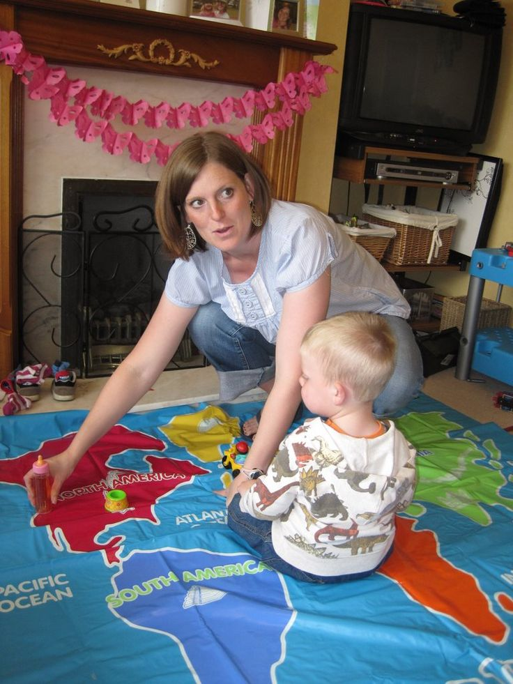 Teaching Spanish to toddlers.  Great ideas and lesson plans!