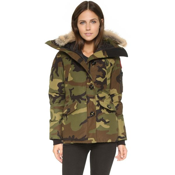 Canada Goose Montebello Parka ($805) ❤ liked on Polyvore featuring outerwear, coats, camo, water resistant coat, canada goose parka, fur parka coat, parka coat and fur parka